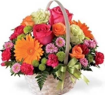 фото цветочной композиции в корзине яркое и красивое