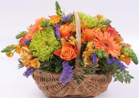 фото корзины с живыми цветами